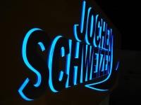 jochen-schweizer-led-anlage-blau-leuchtend-1